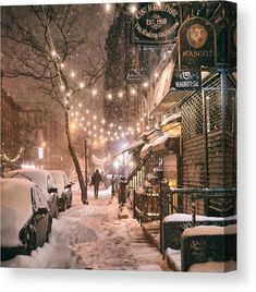 -Here's Definitive Proof That New York Is Truly Magical Covered In Winter Snow! Here's Definitive Proof That New York Is Truly Magical Covered In Winter Snow… See it Winter Szenen, Winter Night, New York Winter, Snow Night, Winter Love, New York Noel, New York Weihnachten, Ville New York, New York Christmas