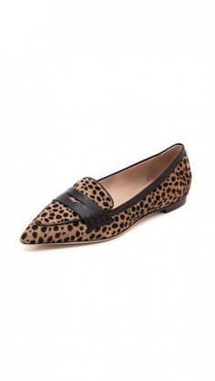 #TuesdayShoesday: 5 Fall Flats for the Girl on the Go via @WhoWhatWear