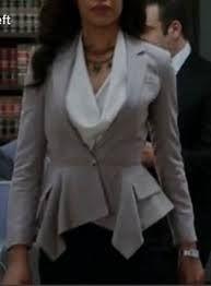 jessica pearson's  grey blazer took my breath away