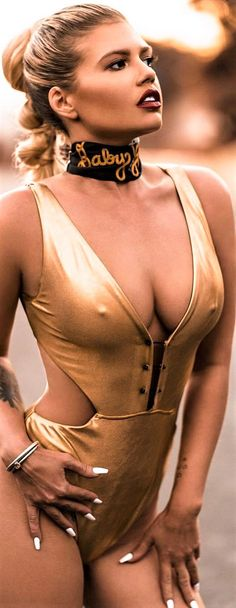 It& quite obvious that Blonde Rapper Chanel West Coast loves to flaunt her Chanel West Coast, 420 Girls, Mädchen In Bikinis, I Love Girls, Swimwear Fashion, Sexy Hot Girls, Beautiful Celebrities, Bikini Girls, Celebs