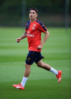 Hector Bellerin changes his squad number to 24! #AFC @TheArsenal