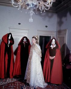 "168 curtidas, 4 comentários - Fay Hart (@theladyofthegoldrings) no Instagram: ""1967 Venice Carnival Princess Grace#costume #beautiful #fabulous #fashion #fun #feminine #venice…"""
