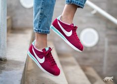 Nike Wmns Classic Cortez Txt (Noble Red / Sail - Hyper Turquoise)