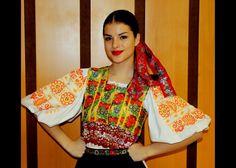 folklorne stuhy - Hľadať Googlom Traditional, Blouse, Tops, Women, Fashion, Moda, Fashion Styles, Blouses, Fashion Illustrations