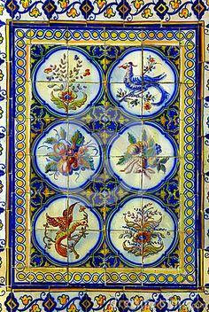 Portuguese Tiles by Tiagoladeira, via Dreamstime arte em azulejo português