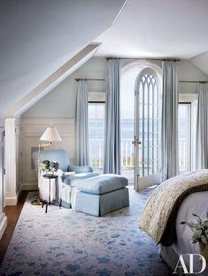 Victoria Hagan beach house interior design light blue bedroom ~ love the door Blue Bedroom, Bedroom Decor, Seaside Bedroom, Peaceful Bedroom, Bedroom Seating, Bedroom Retreat, Pretty Bedroom, Bedroom Ideas, Dream Bedroom