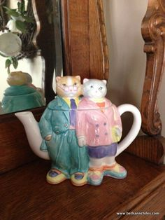 Kitty teapot at It's Just Life