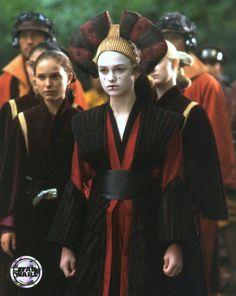 Natalie Portman and Keira Knightley - Star Wars: Episode I - The Phantom Menace (1999) (900×1129)