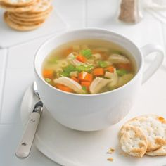 Forget the soups, chicken and noodles already prepared and make your own provisions in a few easy steps with this recipe in the slow cooker. Slow Cooker Recipes, Fall Recipes, Noodles, Crockpot, Food And Drink, Meals, Chicken, Ethnic Recipes, Instant Pot