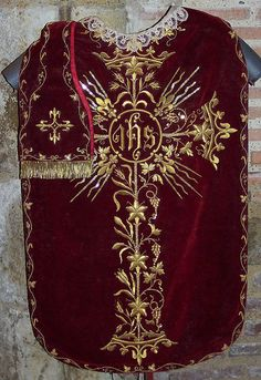 Category:Ecclesiastical embroidery - Wikimedia Commons