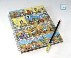Libreta hecha a mano reciclando 4 páginas de un viejo comic de «Asterix».