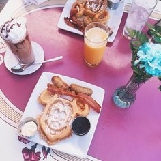 The Best Disneyland Foods Worth Sitting Down For