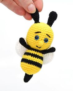 "Free crochet pattern on crochet little bee. Can be used for a crocheted song suitcase for the song ""Sure, Sure, Sure, Little Bee, Around"". Crocheted little bee Lene Hedegaard lenehedegaard Hækle Free crochet pattern on crochet little bee. Scrap Crochet, Crochet Bee, Crochet Fairy, Crochet Teddy, Crochet For Kids, Crochet Toys, Free Crochet, Baby Knitting Patterns, Crochet Patterns"