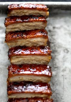 Pork Belly Confit w/ Crispy Skin + Torched Caramel Crust Pork Belly Recipes, Chicharrones, Pork Dishes, Pork Roast, Love Food, Creme, Tapas, Food Porn, Food And Drink