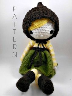 Etsy の Simone Amigurumi Doll Crochet Pattern by CarmenRent