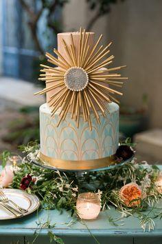 ideas art deco wedding cake ideas for 2019 Deco Wedding Cake, Art Deco Wedding Theme, Art Deco Party, Gold Wedding Theme, Wedding Cake Designs, Wedding Art, Wedding Groom, Wedding Table, Art Deco Cake