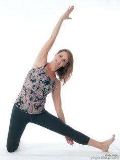 30 mejores imágenes de parighasana el travesaño  yoga