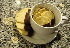 The tea bag cookie as its name suggests is an adorable confection inspired by the tea bag. Created by Kim of Party Frosting, the tea bag. Tea Bag Cookies, Sugar Cookies, Coffee Cookies, Baby Food Recipes, Cookie Recipes, Chocolate Dipped Cookies, Melted Chocolate, Perfect Cookie, Shaped Cookie
