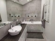 Sweet Home Design, Dream Home Design, House Design, Bathroom Bath, Modern Bathroom, Grey Room, Bathroom Interior Design, Bathroom Renovations, Mosaic Tiles