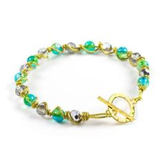 Twisted Up Bracelet - This Prima Bead bracelet project was hand designed by our design team. [$0]