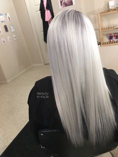 87 unique ombre hair color ideas to rock in 2018 - Hairstyles Trends Ice Blonde Hair, Silver Blonde Hair, Blonde Hair Looks, Platinum Blonde Hair, Silver White Hair, Long White Hair, Gorgeous Hair, Dyed Hair, Hair Inspiration