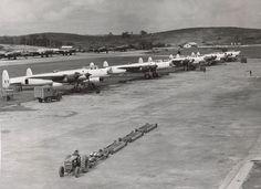 https://upload.wikimedia.org/wikipedia/commons/thumb/1/11/Avro_Lincoln_RAAF_Tengah_Air_Base_1950.jpg/800px-Avro_Lincoln_RAAF_…