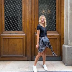 Isabel Marant, Baskets, Leather Skirt, Saint Laurent, Summer Outfits, Tee Shirts, Spring Summer, Instagram, Skirts