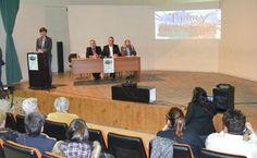 Presentación del proyecto Unesco de la Cerámica y creación asociación Tierras de Cerámica en centro social Castilla-La Mancha de Talavera. #tierrasdeceramica #ceramica #talavera #puentearzobispo