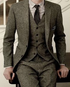 mens 3 piece suit tweed brown - needs contrasting details but the the overall style is sharp <agree>