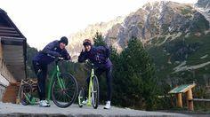 Sestry Veldakove v Tatrách Jumper, Mountains, Celebrities, Nature, Sports, Travel, Outdoor, Hs Sports, Outdoors
