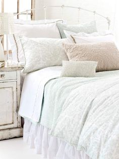 PInecone Hill bedding. Love love love.