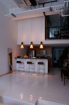 Shiny epoxy floor