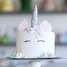 Unicorn cake Tutorial! By @popsugarfood #unicorncake #cake #kuchen #backen #gateau #unicorn #einhornkuchen #einhorn