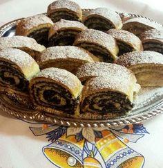 Diós - mákos bejgli, mindig így sütöm, ez a recept felülmúlhatatlan! - Egyszerű Gyors Receptek Banana Sheet Cakes, Sheet Cake Recipes, Christmas Snacks, Strudel, Winter Food, Cooking Tips, Bakery, Muffin, Food And Drink