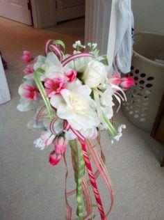 inspriation for saturday's flower girl wand. Cascading Wedding Bouquets, Wedding Ceremony Flowers, Bride Bouquets, Wedding Day, Flowergirl Flowers, Flower Centerpieces, Flower Arrangements, Flower Girl Wand, Flower Girls