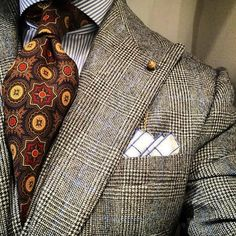 """mickyrallens: """"Splash Of The Day: """"IM NOT TRYING TO TELL YOU HOW TO DRESS, IM JUST TRYING TO SHOW YOU AN ALTERNATIVE"""" #FeelFreeToTryIt #FreeGameButIfYouCallMeItsGoingToCostYou #beinspired @BernieAndDuff 