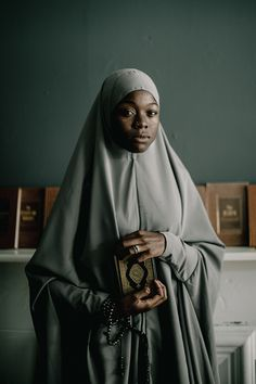 Portrait Studies: Fatima and Amina | Muslim Woman in Hijab