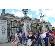 (2014)  #UK #UnitedKingdom #London #summer2014 #summer #summertime #holidays #voyage #travel #traveladdict #travelgram #instatravelling #memories #love_london #tourism #tourist #BigBen #ParliamentSquare #TrafalgarSquare #NationalGallery #BuckinghamPalace #PiccadillyCircus #MandMsLondon #LondonEye #WestminsterPalace #TowerBridge #NaturalHistoryMuseum #Telephone #love #smile by paulii_wator