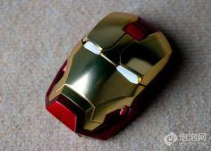 Para aprovechar que Iron Man 3 se estará estrenando este fin de semana en varios lugares del mundo les queremos presentar un accesorio que a todos los PC Gamers y fanáticos de este superhéroe les va a encantar, se trata de un increíble mouse con forma del casco que utiliza Iron Man, quizás no el …