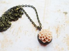 Brass necklace with a pale pink dahlia pendant, vintage and nature inspired jewelry, Selma Dreams jewellery, romantic gifts for her by SelmaDreams on Etsy