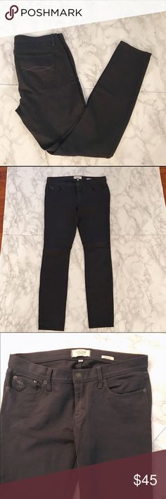 Abercrombie and Fitch Jeggings Abercrombie and Fitch Jeggings Size: 4 Waist Measurement: 15 inches across laying flat Inseam Measurement: 28 inches Rise: 8 inches  Brand: Abercrombie & Fitch Material: 41% cotton 4% elastane   28% Nylon  27% Modal 🚫No Trading🚫 🚫 No Modeling 🚫 Abercrombie & Fitch Jeans Skinny