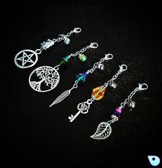 Purse charm Zipper Pull handbag charm keychain by CervelleDoiseau Beaded Jewelry, Handmade Jewelry, Photo Charms, Pandora Bracelets, Artisanal, Silver Charms, Jewelry Crafts, Jewelery, Dangles