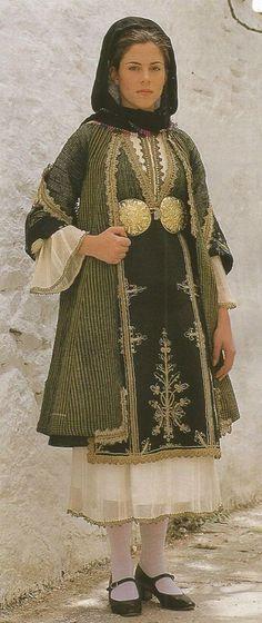 Gypsy Costume, Folk Costume, Greek Costumes, Dance Costumes, Greek Dancing, Greek Traditional Dress, Greek Dress, Greek Royalty, Greece Photography
