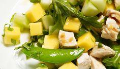 Low Carb heiß nicht No Carb – und gerade beim Mittagessen sind ein paar gesunde Carbs durchaus erlaubt. Hier kommen unsere besten Rezepte für Ihr Low Carb-Mittagessen