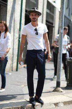 European way of wearing the white tee. Milan effortless chic.