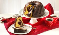 Marmorkuchen mit Glasur Rezept: Saftiger Gugelhupf mit dunkler Kuchenglasur - Eins von 5.000 leckeren, gelingsicheren Rezepten von Dr. Oetker!