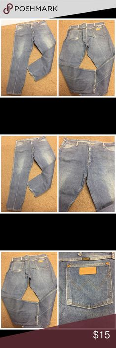 WRANGLER DISTRESSED DENIM BLUE JEANS SZ 42 x 32 WRANGLER DISTRESSED DENIM BLUE JEANS SZ 42 x 32. Tag states inseam is 30 - but it measures 32 inches. Made of 100% Cotton. Autographed on the inside of the pockets. Please see photos for more information.  062317–1 drnerds Wrangler Jeans