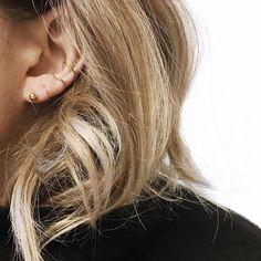 @juste_juliette earstagram ✨  _________________________________________  #balltwirl #auricleearcuff #earstagram #earparty #mariablack #regram