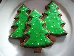 Made these gingerbread Christmas trees this past Christmas. Magical Christmas, Christmas Love, Christmas Treats, All Things Christmas, Merry Christmas, Christmas Recipes, Christmas Goodies, Beautiful Christmas, Christmas Decor