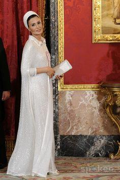 sheikha mozah pictures   Sheikha Mozah Bint Nasser al-Missned Spanish Royal family gala dinner ...